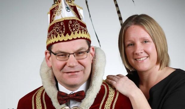 Jubileumprins Peter II samen met zijn prinses Fiona. Foto: Fotohuis Venray.