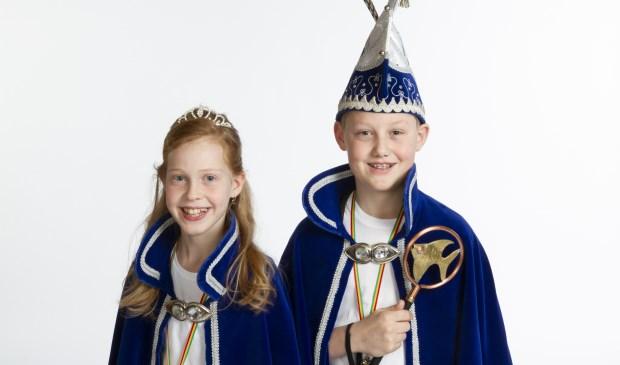 Jeugdprinses Lynn en -prins Lars van De Bliekers in Maashees.