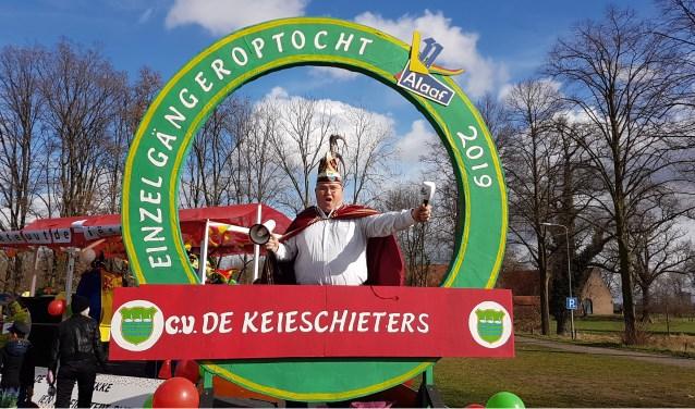 Oud-voorzitter en erelid van de Keieschieters Eric Euwals nodigt iedereen uit voor de optocht in Geijsteren.