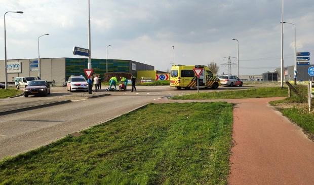 De hulpdiensten rukten uit om de gewonde motorrijder te helpen. Foto: SK-Media.