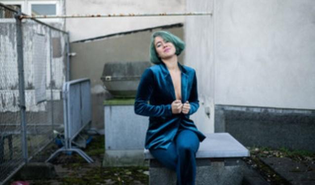 De Venrayse zangeres, actrice en songwriter Anna Joan. Foto Mimi Roos.