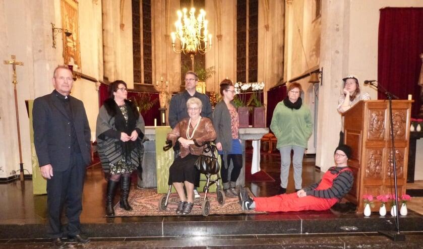 Toneelvereniging Oirato presenteert het toneelstuk Geestelijke rijkdom.