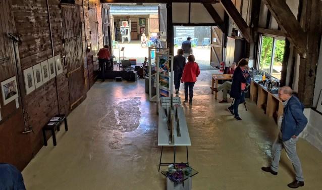 Eén van de 34 locaties waar kunst werd getoond was de 'Schuur van Son' in Dirksland. Foto: Anne-Marie Vermaat