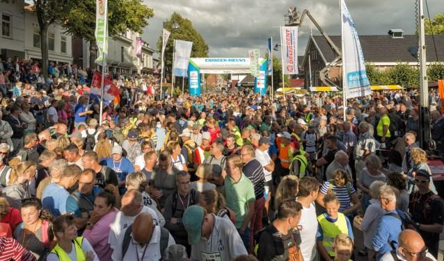 De start van de Omloop in 2017. Foto: Jaap Peeman