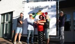 V.l.n.r.: Arco Hoekman (SVIK), Jan Trompper (REZO) Nicole Gierman, Conny Bakker en Joop van Son (Mi Mekaore).