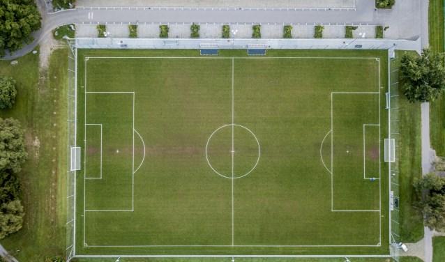 Luchtfoto van een voetbalveld. Foto: Shutterstock