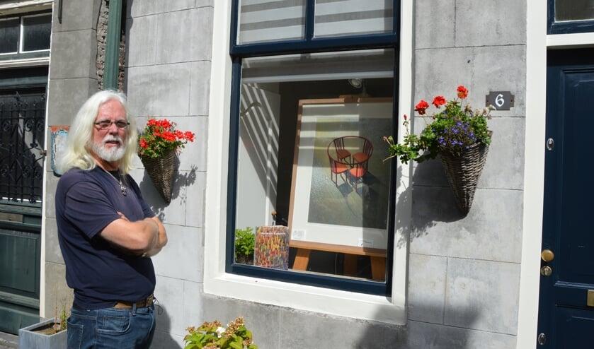 Tijdens de Kunstdagen wordt er achter de ramen in Goedereede kunst geëxposeerd.