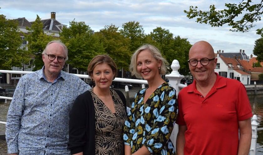 Het bestuur van de Stichting Havenconcert Goedereede v.l.n.r. Piet Westhoeve (artistiek directeur), Pauline Hof (secretaris), Anne Bezuijen (penningmeester) en Rien Slagter (voorzitter).
