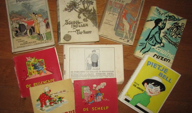 Diverse kinderenboeken uit vroegere tijden.