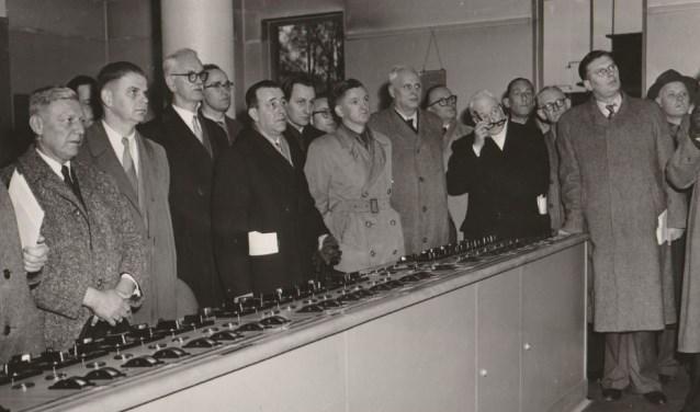 Foto uit 1954: Het IJ-tunnel comité (BAN) in Rotterdam.