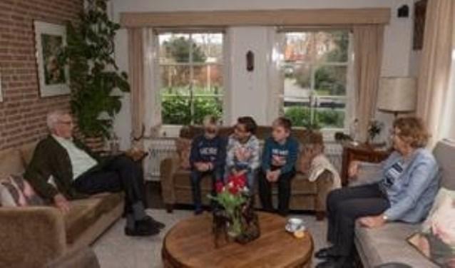 Leerlingen van der Bosschool interviewden ouderen in hun buurt die de oorlog hebben meegemaakt.