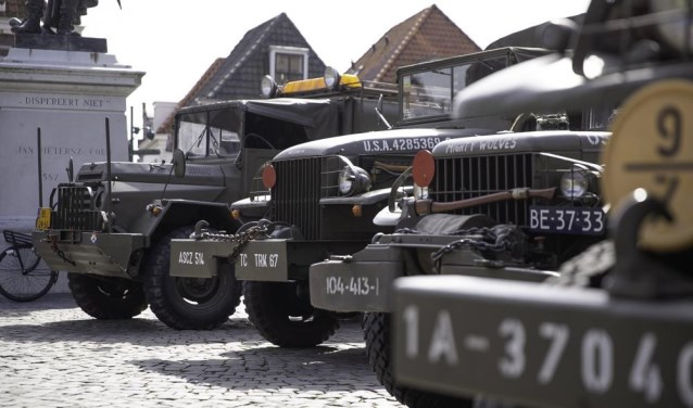 Op Veteranendag zijn historische militaire voertuigen te zien.