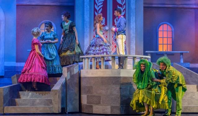Een scène uit De Kleine Zeemeermin de Musical.
