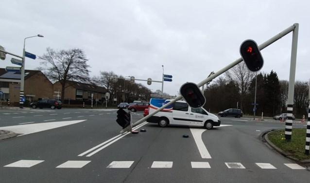 De verkeerslichtbalk aan de Tolweg.