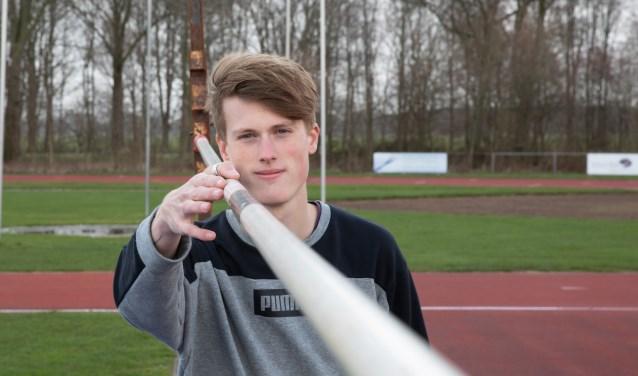 Stan Nijhuis, 1.96 lang, geboren en getogen in Egmond aan den Hoef.