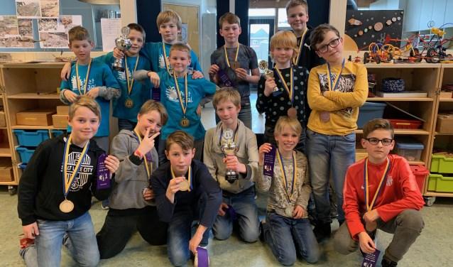 De winnaars die doorgaan naar het Noord-Hollands schaakkampioenschap: Het Koraal, de Bijenkorf en Westerkim.