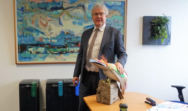 De wethouder zelf is al goed bezig met de grondstoffenscheiding; zowel thuis als op kantoor.