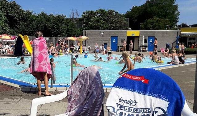 Inwoners en toeristen kunnen eind april weer buiten zwemmen in de gemeente Medemblik.