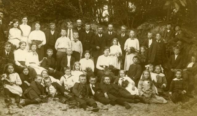 Waarschijnlijk een foto van een vereniging uit Opperdoes.