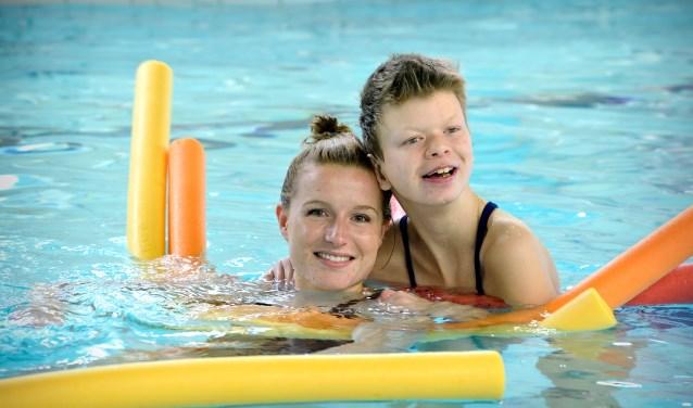 Bij Heliomare kunnen ouders en kinderen zwemmen.