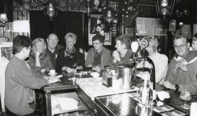 De Doedelzaak aan de Breewaterstraat in 1994.