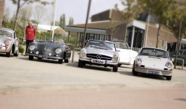 Op Koningsdag rijden de mooiste oldtimers en youngtimers mee met de Langedijker Oldtimerrit.