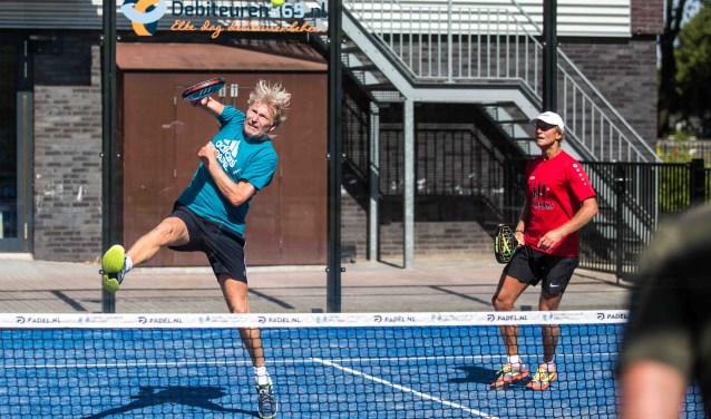 Padel combineertde beste elementen van tennis en squash.