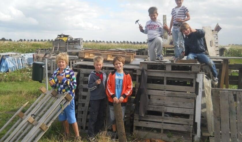 De jeugd kan volgende week weer meedoen aan de huttenbouw driedaagse op Jeugdland in Nieuw-Vennep.