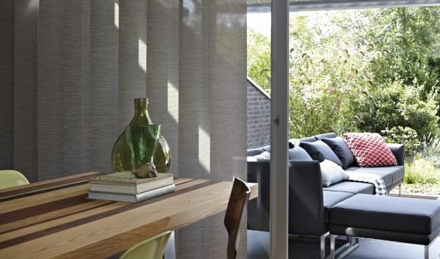 Luxaflex zorgt ervoor dat de warmte en het overbodige licht buiten blijven.