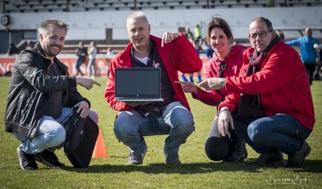 Stichting Schoolvoetbal Den Helder is ontzettend geholpen met de laptop.