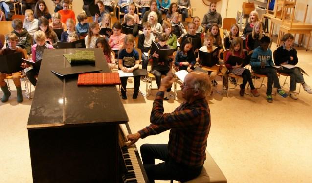Onder leiding van Pieter-Jan Olthof voert Koorvereniging Bergen samen met het Begeleidingsorkest voor Noord-Holland de Matthäus Passion van J.S. Bach uit.