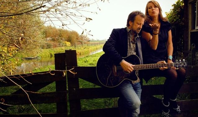 Singer-songwriters Helen Botman en Peter van Vleuten laten de liefde stralen.