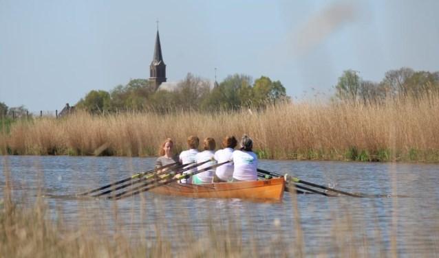 Ruim 60 jaar kunnen leden van de vereniging met hun boten terecht op de Purmerringvaart.