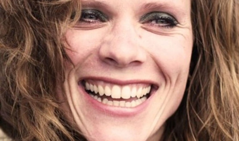 Niki Jacobs zingt Theodorakis' Mauthausen Cyclus in Vredeskerkje.