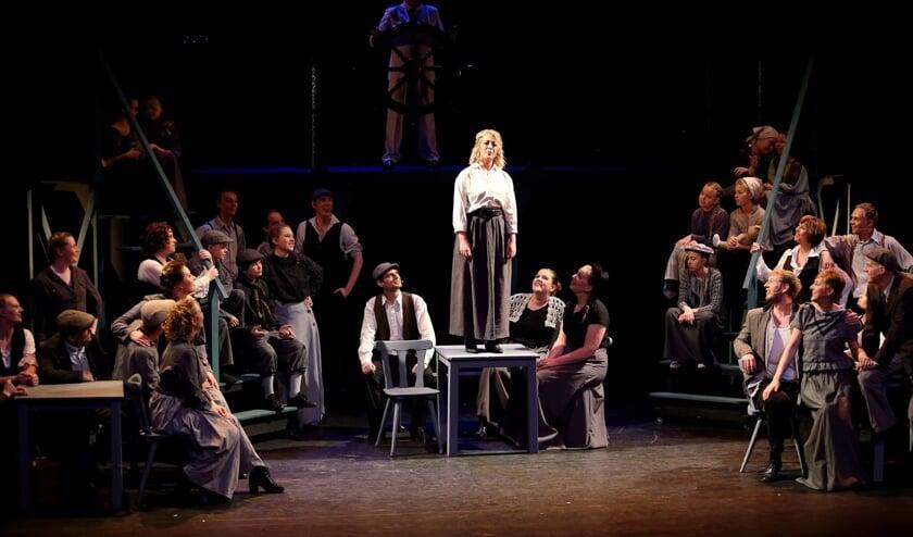 Vorig jaar speelde Brassica Musicals met veel succes de voorstelling 'Titanic'. Het Heerhugowaardse gezelschap ontving hiervoor een nominatie voor de Amateur Musical Award voor beste musical.