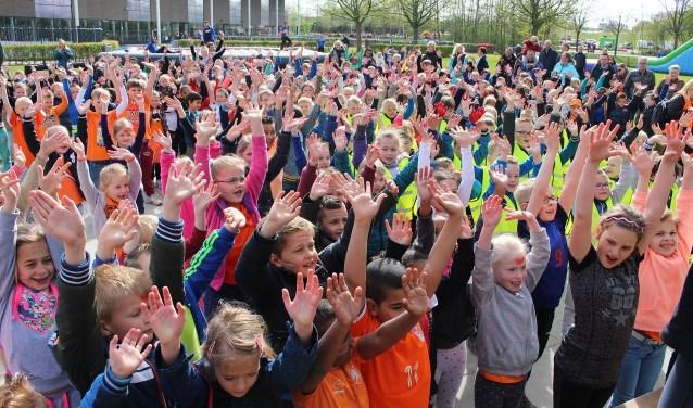 Leerlingen van bijna alle 24 reguliere basisscholen doen mee aan de sportdag.