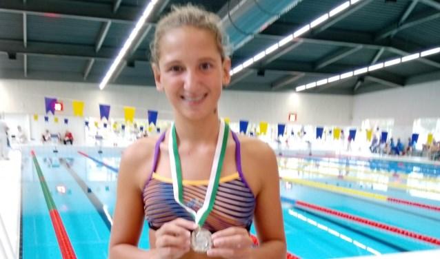 Samen met nog drie zwemsters uit Alkmaar is Djanilla geselecteerd om mee te doen aan de prestigieuze International Children Games in Rusland.
