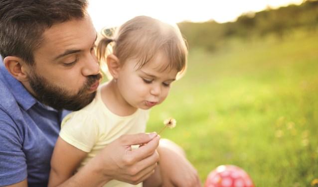 Een steungezin vangt een kind eens in de week of een weekend op.