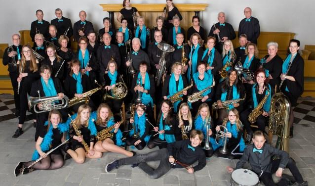 Muziekvereniging Onder Ons en opleidingsorkest Young Onder Ons.