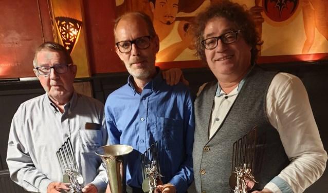 Gert Dekker tweede, winnaar van het driebandenkampioenschap Fred Kok en Peter Commandeur derde.