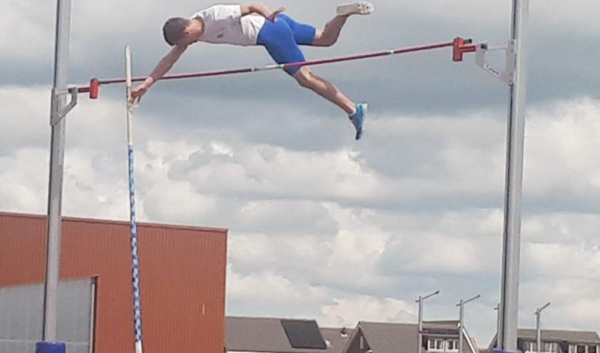 'De vlucht door de lucht' van DEM-atleet Dylan Langeveld.