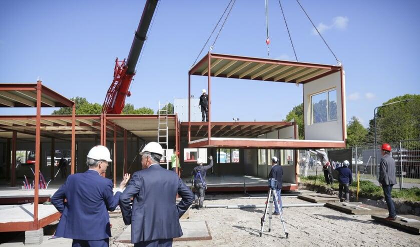 Uitbreiding aan de oostzijde gebouw de Velst van Heliomare met tien lokalen op de begane grond.