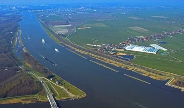 Het Noordzeekanaal.