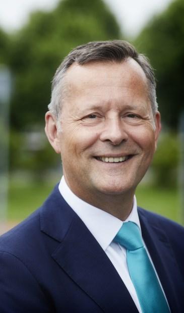 Arthur van Dijk, commissaris van de Koning, bezoekt West-Friesland.