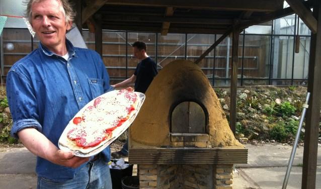 Pizza's uit de leemoven zijn het allerlekkerste.