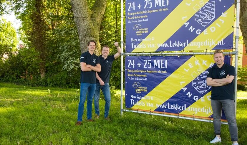 """Aan het enthousiasme van de vier jonge  Langedijkers Michael Nijholt, Steve Hoogeboom, Tim Bruin en (niet op de foto) Jeffrey Jonker zal het niet liggen: """"Het nieuwe evenement Lekker Langedijk wordt geweldig!"""