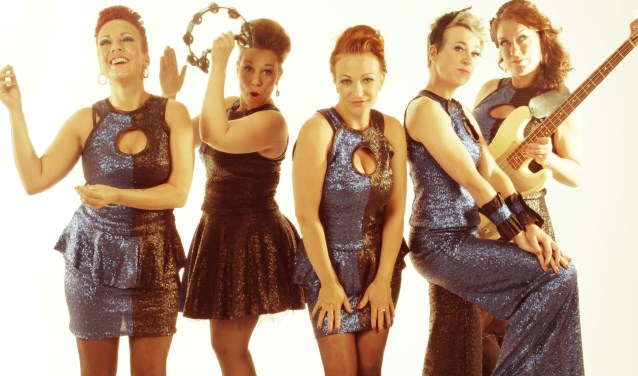 All female band The Bluebettes.
