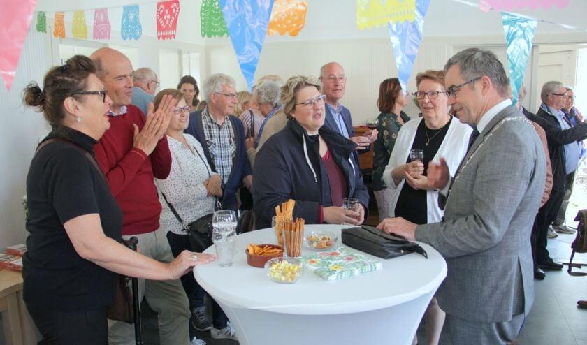burgemeester Jos Wienen opende het pand voor schuldhulpmaatjes.