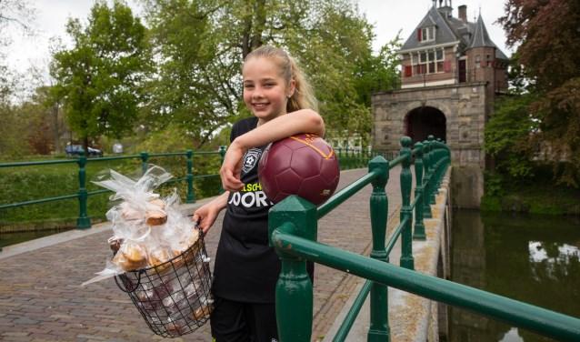 Om zoveel mogelijk geld in te zamelen, heeft Isabella onder andere cupcakes verkocht.