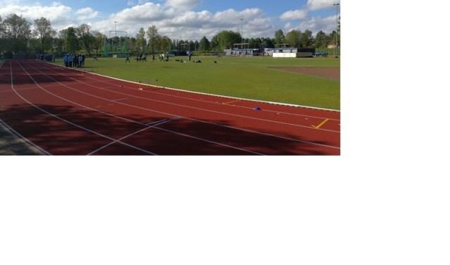 De atletiekbaan van AV DEM.